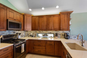 Should You Reface or Replace Your Kitchen Cabinets?