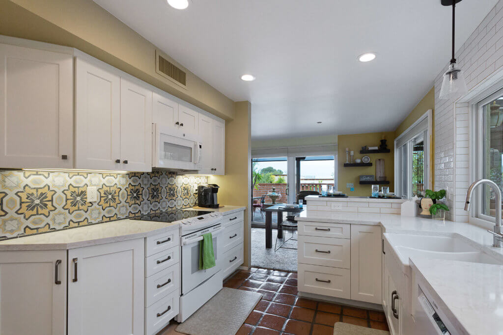 advice for keeping a white kitchen clean - southwest kitchen