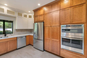 Comparing Particle Board and Plywood Kitchen Cabinets