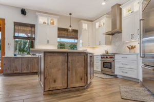 What to Consider When You're Picking Kitchen Cabinets